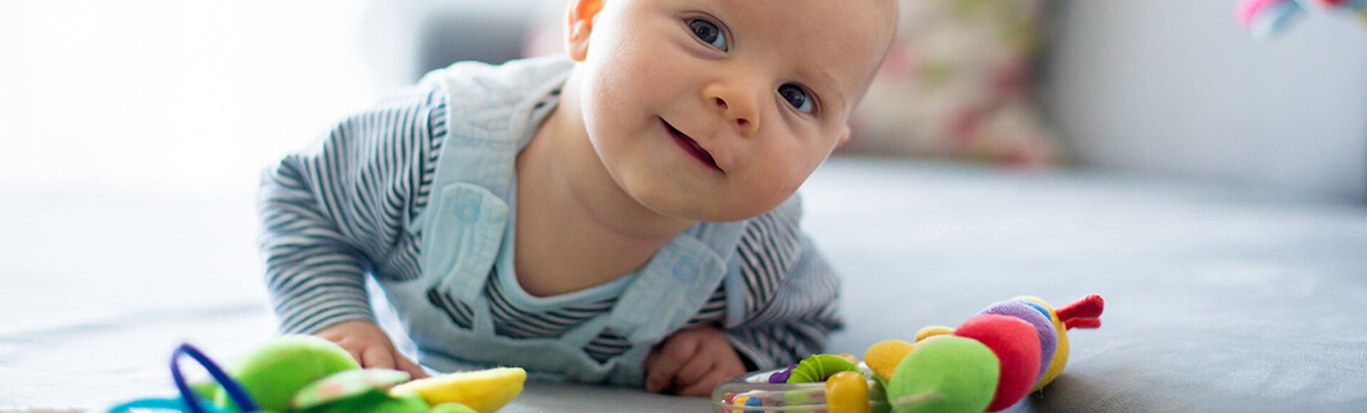 Divertidos juegos para tu recién nacido   Más Abrazos by Huggies