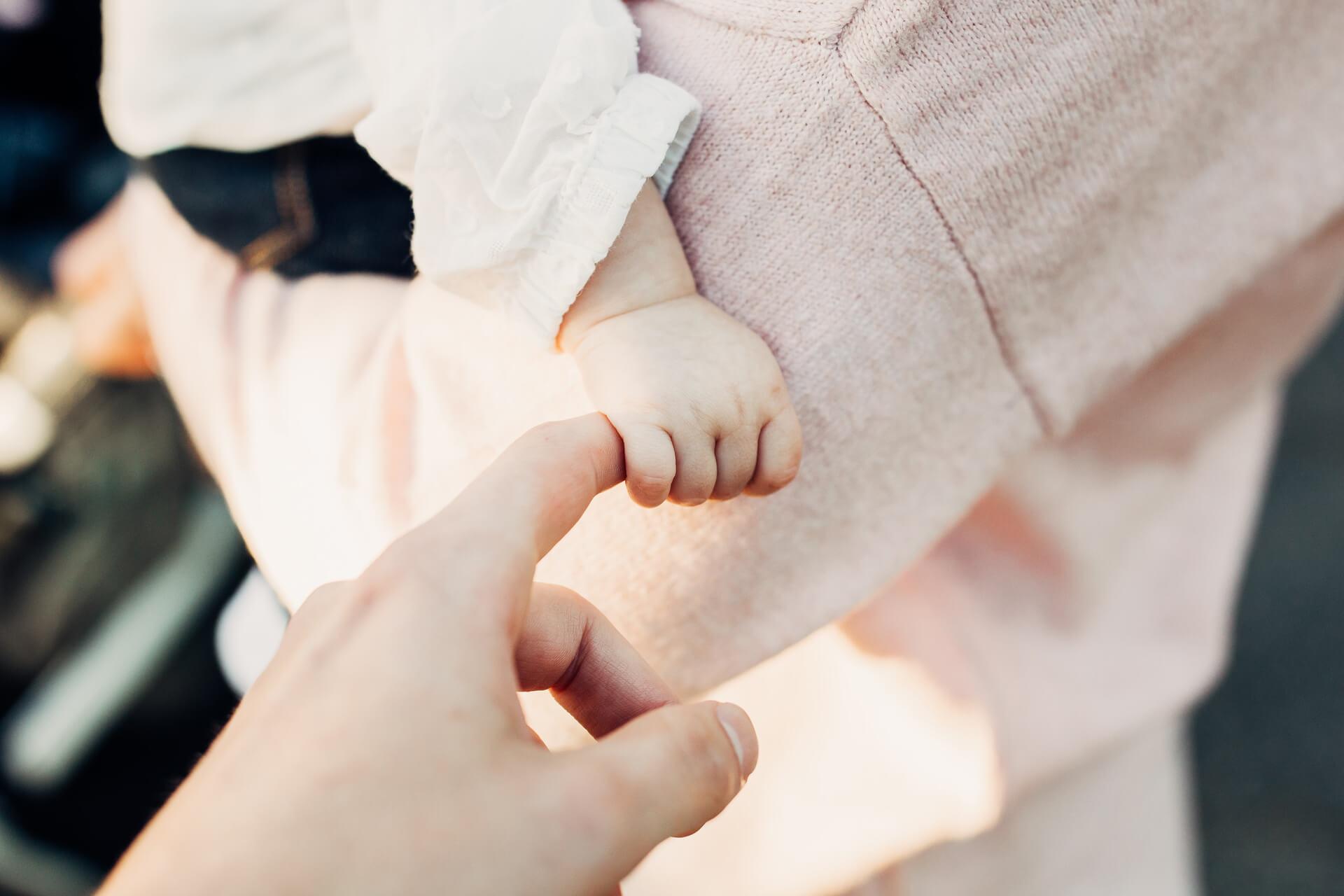 Todos los bebés tienen movimientos reflejos